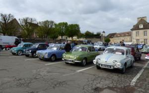 Grand rassemblement  à Avallon  , malgré un soleil  peu clément et capricieux   , beaucoup de curieux ....