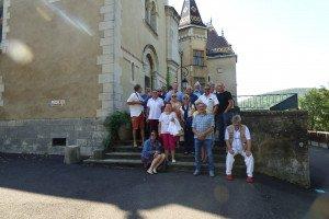 Devant le magnifique Château d'Henri Malartre ,  Ce château de Rochetaillée est construit sur une masse rocheuse dominant  la vallée de la Saône ....
